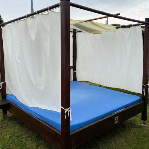 Family Bed - Outside garden zone 15.7.2020